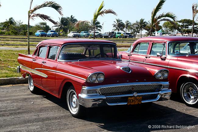 Cuba Autos .org   Ford, 1958, Custom 300 4 Door Sedan, Havana